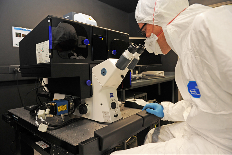 The new super-resolution microscopes will help researchers gain unprecedented insight into the cellular processes that relate to key health issues like tuberculosis and HIV/AIDS.
